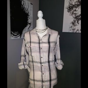 Cute Flannel top with back design ~ Size M